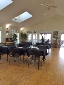 The main tasting room manages to be both spacious and cozy.